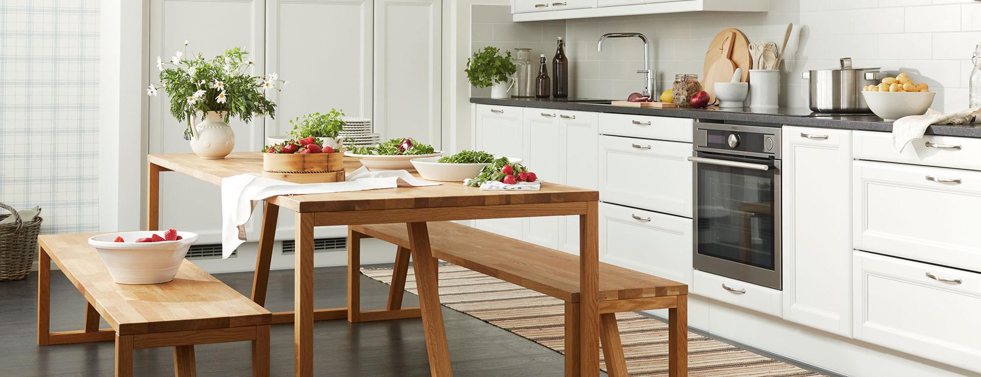 Puustellin puinen ruokailuryhmä keittiöön